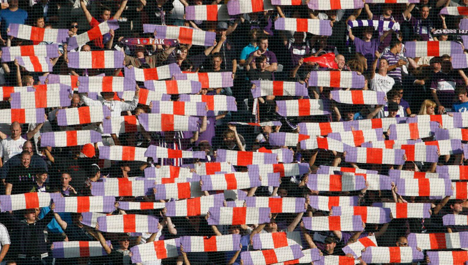 fak100-fans1